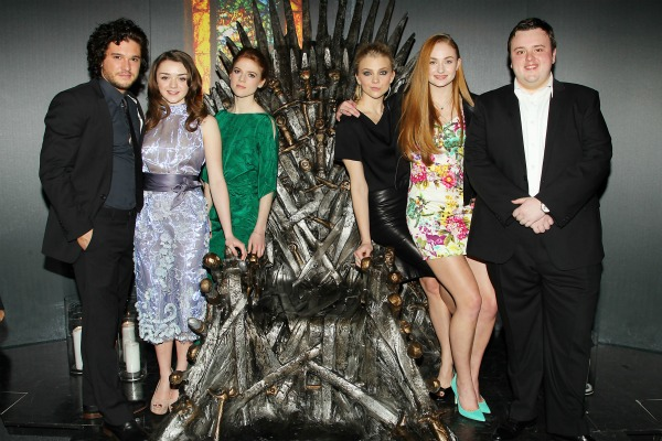 Game Of Thrones Cast Sings Game Of Thrones Moviepilot Vhhnlqb