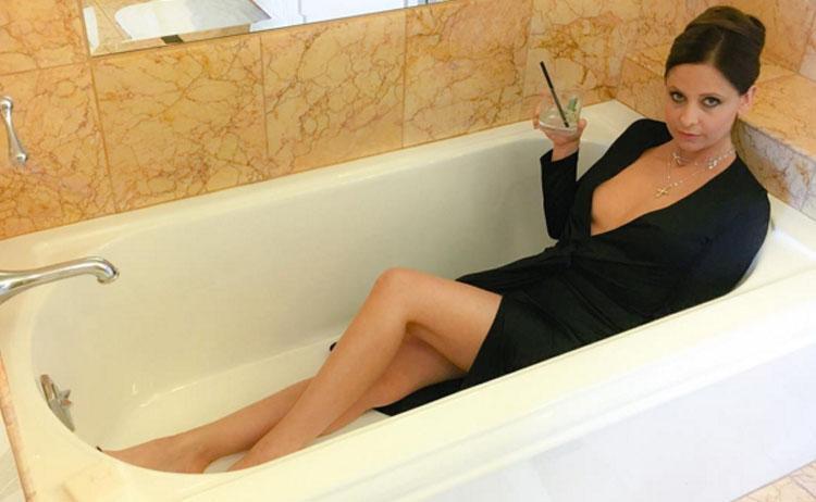 Segundas Intenções: Sarah Michelle Gellar divulga as primeiras fotos da série