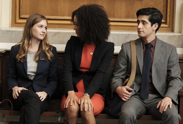 ABC renova For the People e Station 19, séries produzidas por Shonda Rhimes