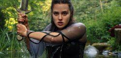 Cursed: elenco e showrunner falam sobre os mistérios e curiosidades da série!